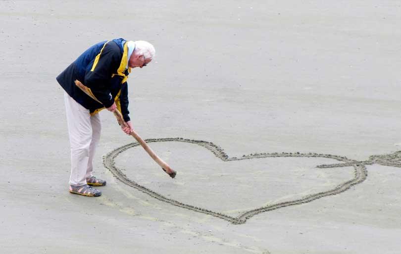 Necesidad de afecto de las personas mayores y con dependencia